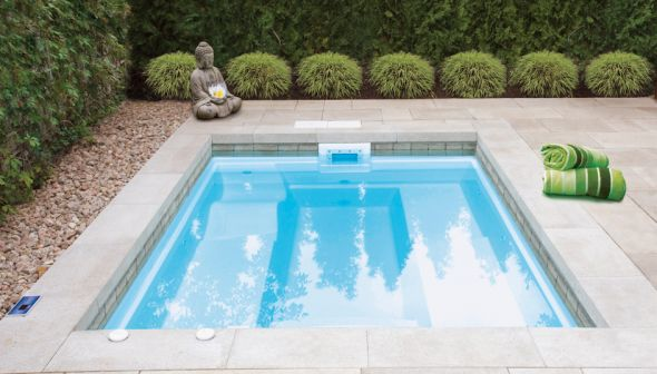 Piscine fibre de verre mod les guy robert landscaping for Piscine fibre de verre